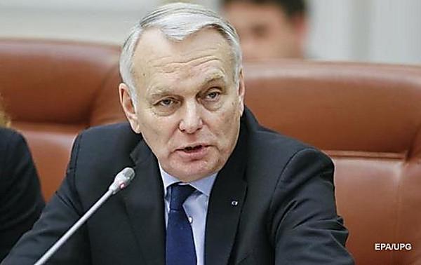 Руководителя МИД Украины, Франции иГермании обсудили «реальный отвод» вооружений