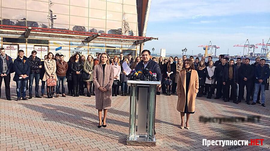Саакашвили подал в отставку: Президент отдал власть двум кланам в Одесской области - Цензор.НЕТ 560