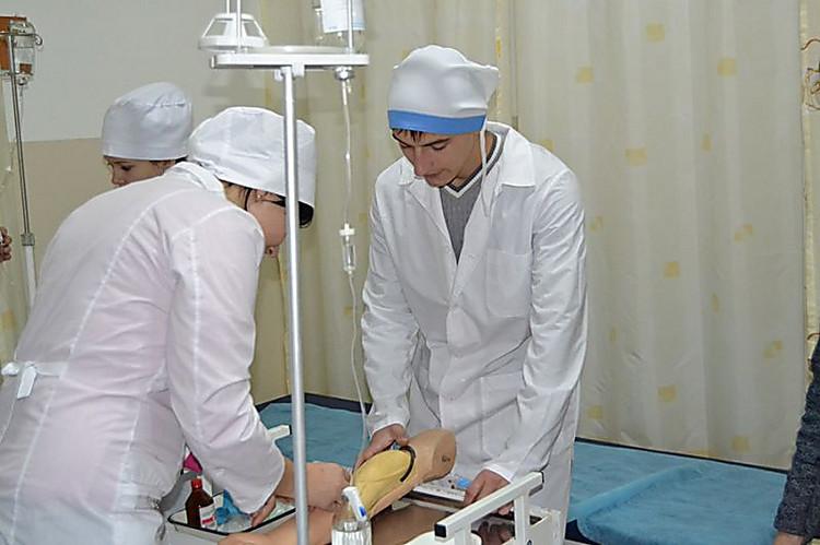Die Behandlung der Nägel auf den Händen ibx system