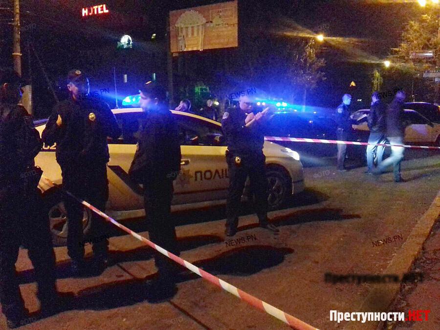 ВНиколаеве в итоге стрельбы около супермаркета ранены двое правоохранителей