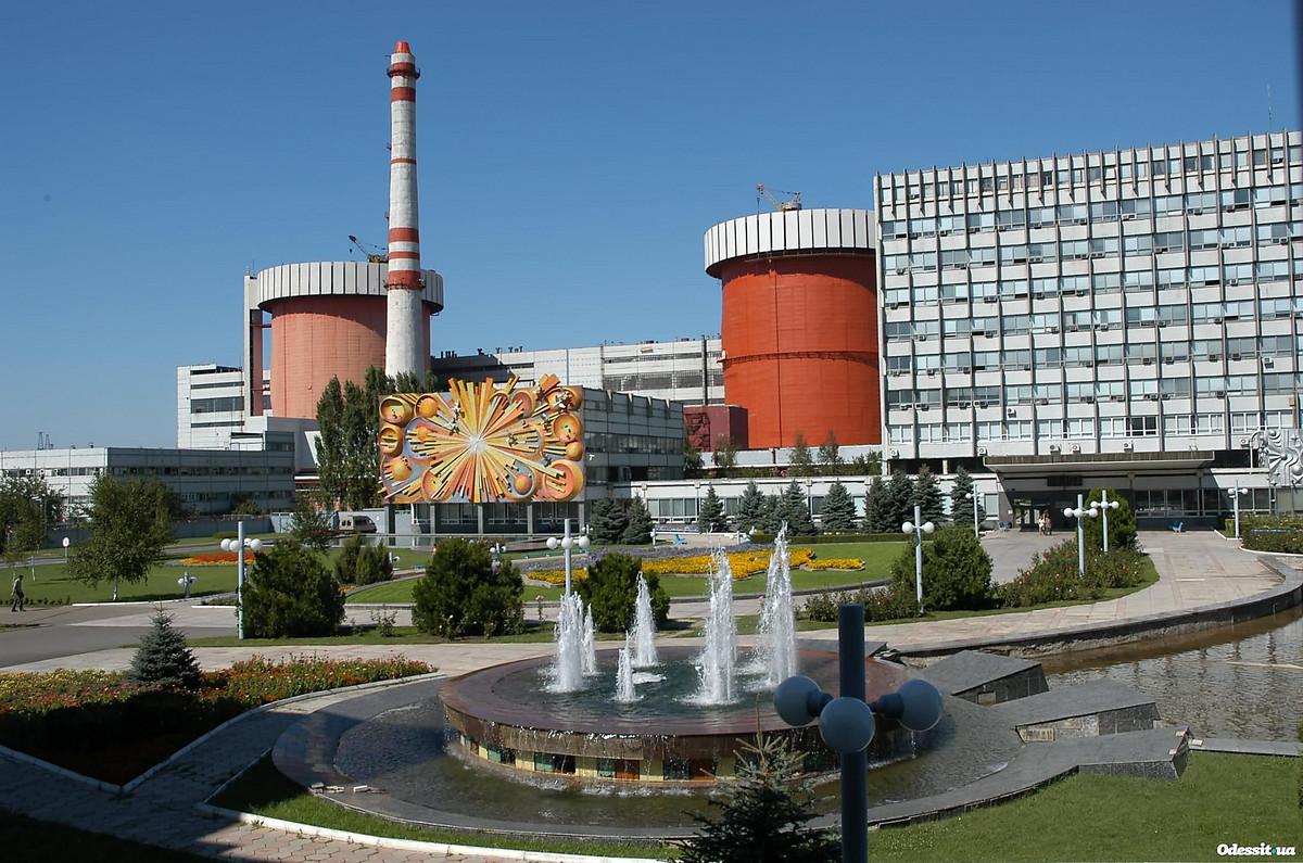 На узле свежего ядерного топлива энергоблока 3 южно-украинской аэс установлен кантователь для работы с новыми