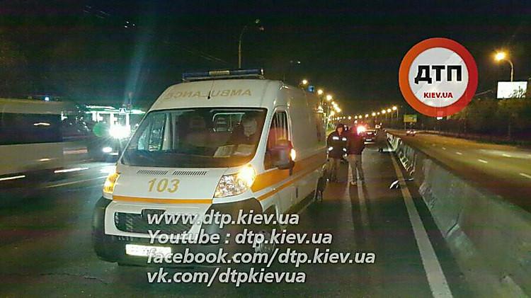 ВКиеве несколько авто переехали пешехода