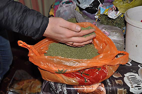 НаНиколаевщине мужчина прятал наркотики начердаке своего дома