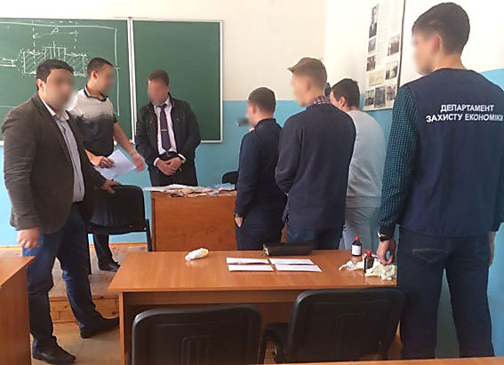 ВЗапорожье навзятке задержали доцента университета