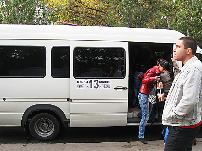 fahrer von nikolaev kleinbusse sind berzeugt dass von einem preisanstieg f r die reise sie. Black Bedroom Furniture Sets. Home Design Ideas