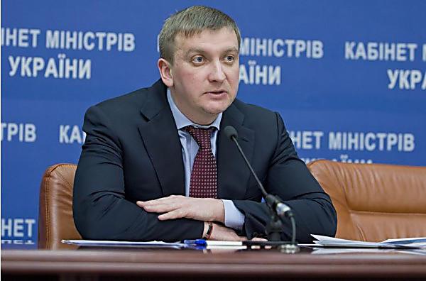 Кабмин определился, как поменять «закон Савченко»