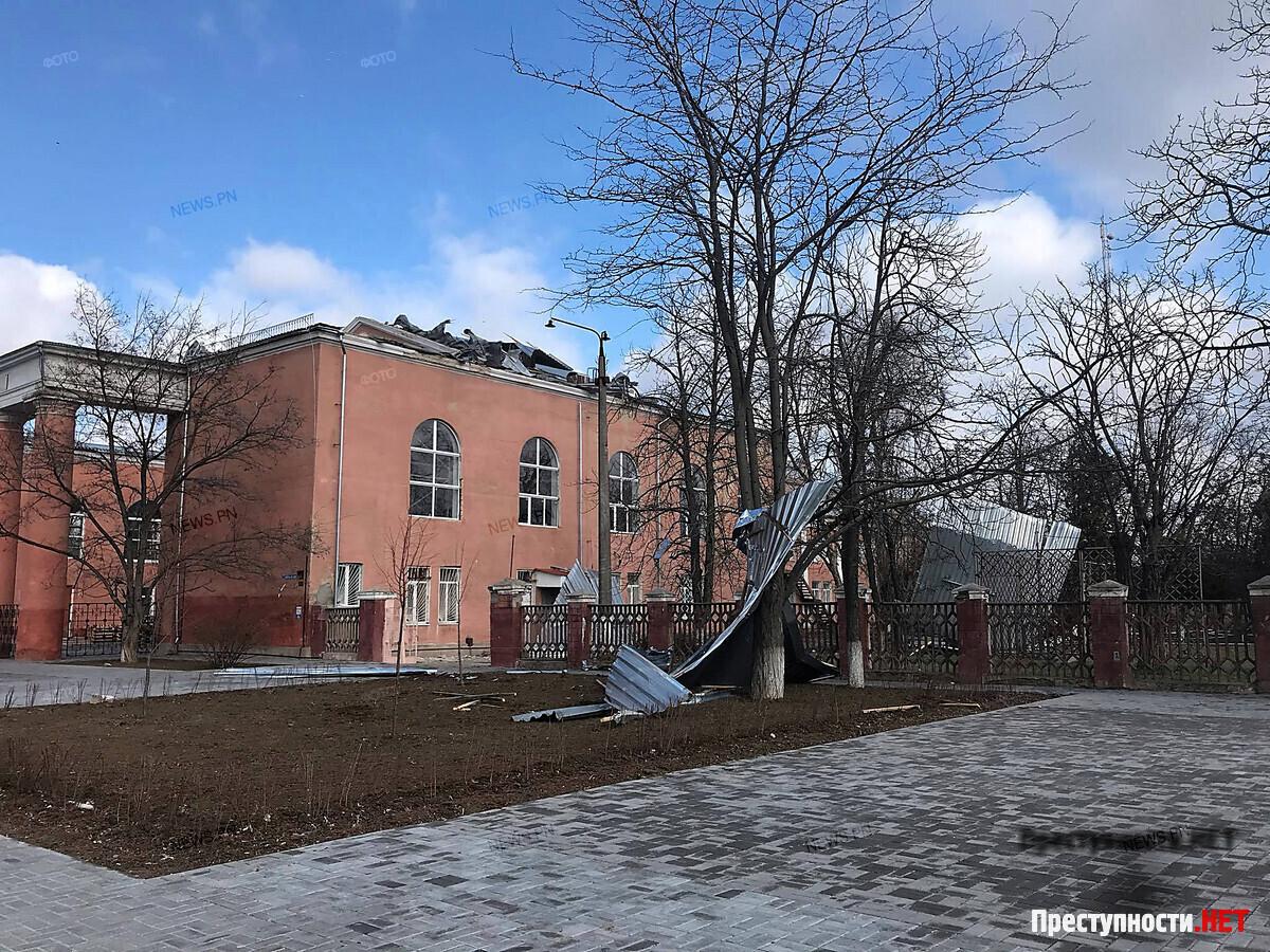 Ураган у Миколаєві зірвав дах з казарми 79-ї окремої десантно-штурмової бригади. Міноборони проведе службову перевірку - Цензор.НЕТ 9105