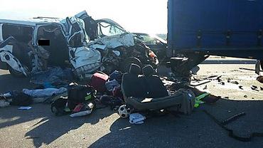 Ужасное ДТП на Николаевщине: Микроавтобус столкнулся с грузовиком - 8 погибших - Цензор.НЕТ 2865