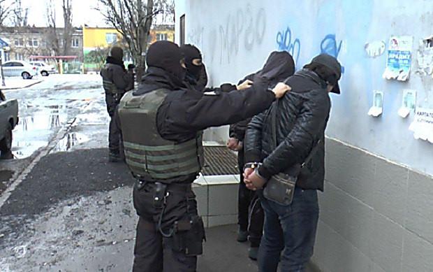 ВХерсоне задержали банду, которая грабила квартиры повсей Украине