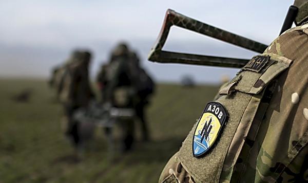 «Азов» выводят изМариуполя