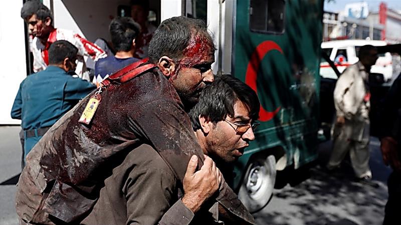 Количество жертв в результатевзрыва у посольства Германии в Кабулевозросло до 65 человек еще более 325 получили ранения