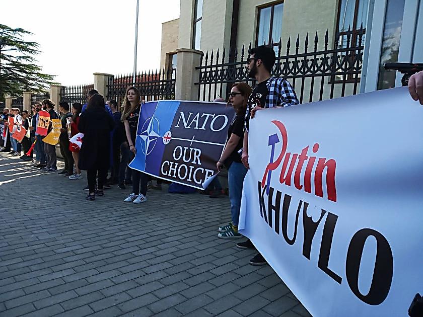 Парламентська асамблея НАТО не прийме Росію назад і це залишається нашою позицією, - президент ПА Мун - Цензор.НЕТ 3430