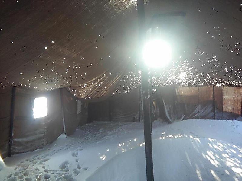 В палатке на полигоне зимой фото