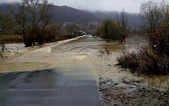 Осадки затопили Закарпатскую область— ГСЧС