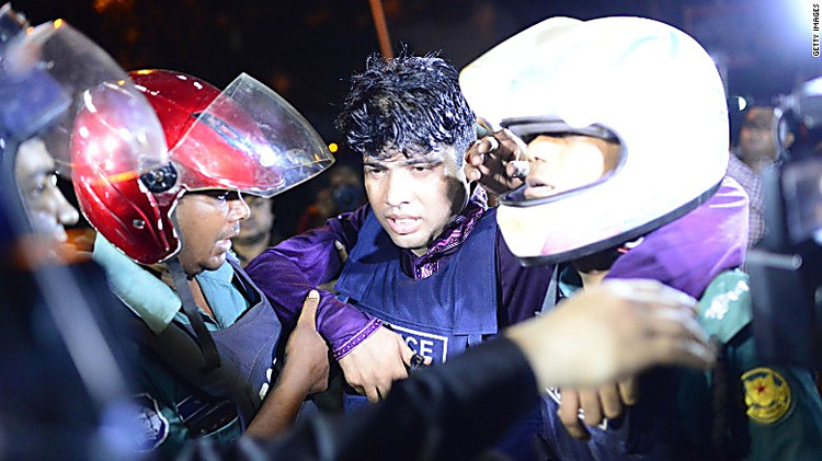 В итоге нападения наресторан вБангладеш погибли 20 иностранцев