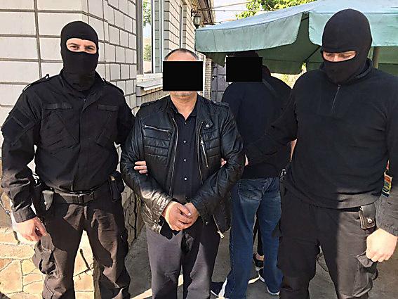 ВНиколаеве «под крышей» правоохранителя действовала этническая банда наркоторговцев