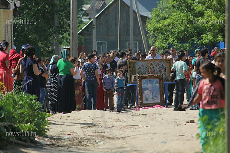 Под Тулой начали снос домов цыган, поселок оцепили 400 полицейских