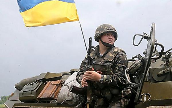 ВМинобороны уверяют, что военные вЛуганской области погибли неотобстрела