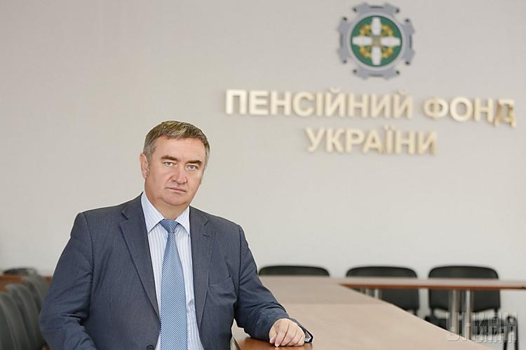 ВПенсионном фонде пояснили, как Азаров может вернуть пенсию