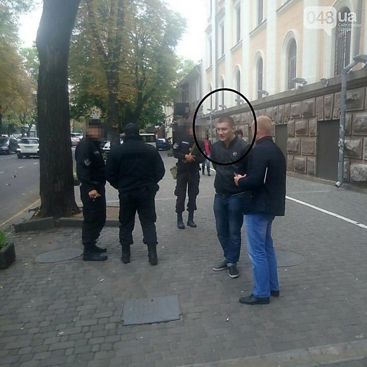 Стали известны причины сегодняшнего расстрела маршрутки вцентре Одессы