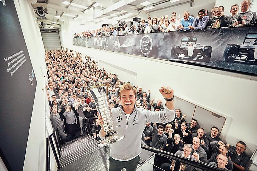 Чемпион «Формулы-1» Нико Росберг объявил обуходе из«Королевских гонок»