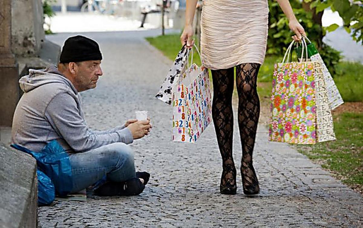 Богатая девушка и бедный парень фото