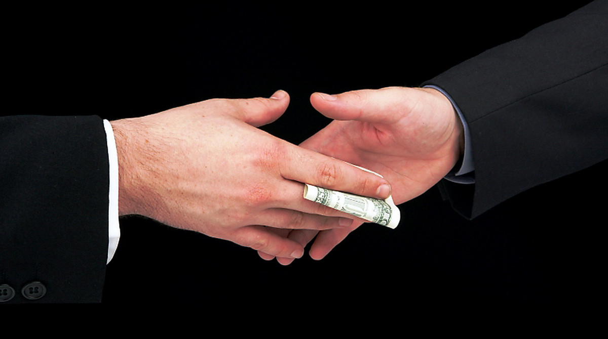 bribe and corruption in the pharmaceutical Sophie peresson (sp): seventeen per cent of people worldwide stated they had paid a bribe when dealing with the medical sector in a global survey of 114,000 citizens.