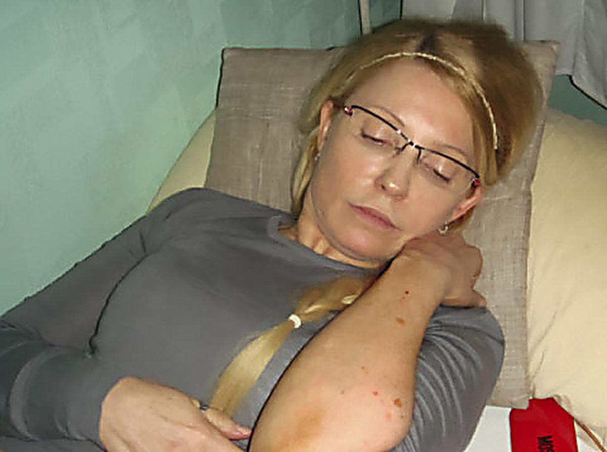 Голая Юлия Меньшова на откровенных эротических фотографиях