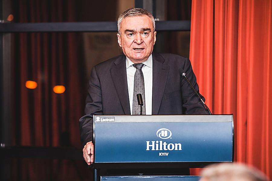 Набсовет «ПриватБанка» возглавил турецкий банкир Акчакоча