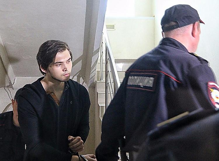 ВЕкатеринбурге суд арестовал блогера, ловившего встенах храма покемонов