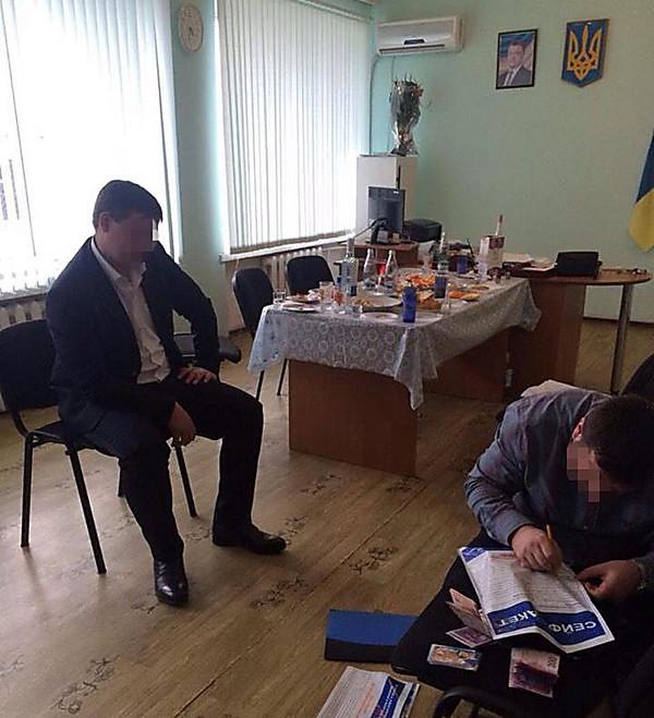 ВХесонской области обвинитель «погорел» навзятке в 300 000 грн