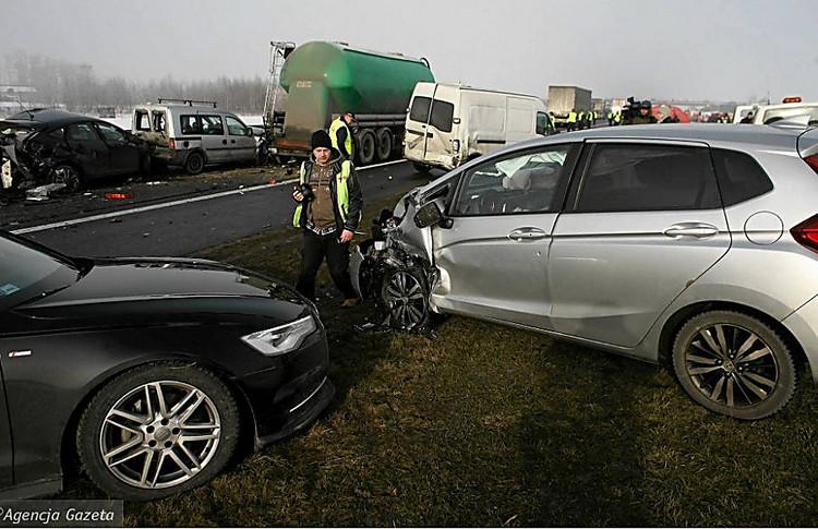 Масштабное ДТП вПольше: столкнулись десятки авто