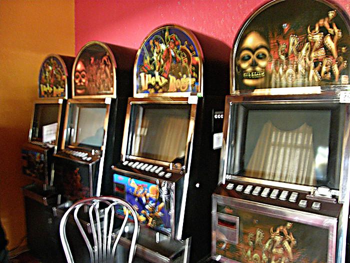 Куда уедут игровые автоматы азартные игровые аппараты лягушки