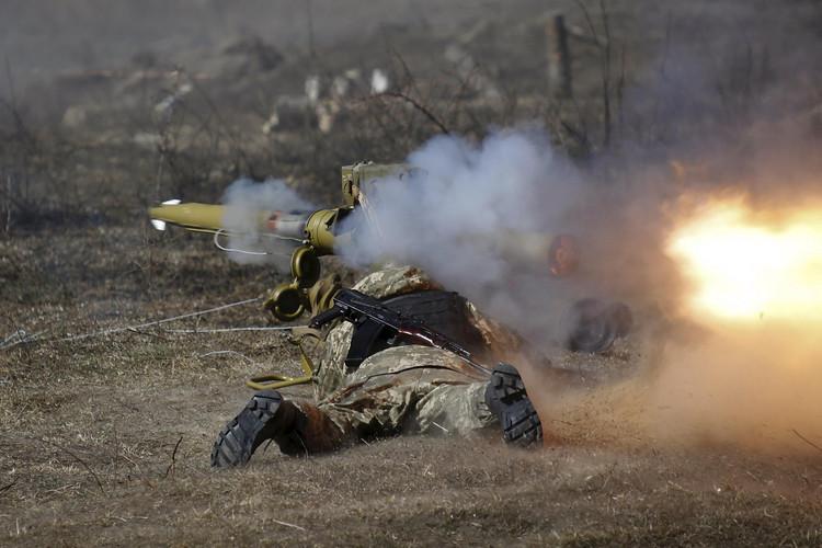Обстрелы вДонбассе усилились засутки— Штаб АТО