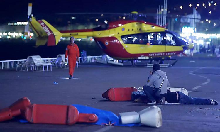 Погибли 80 человек— Теракт воФранции