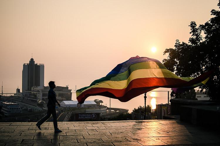Одесские власти хотят запретить гей-парад через суд