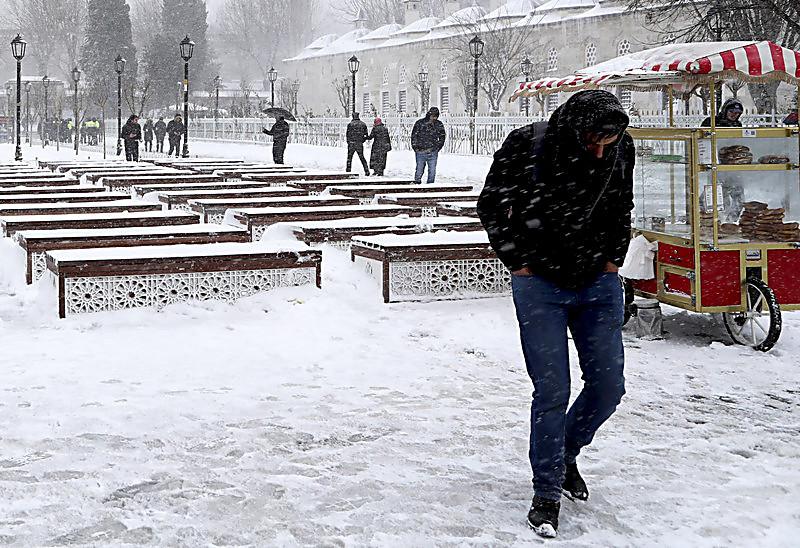ИзТбилиси отменены 4 рейса встамбульский аэропорт Ататюрка