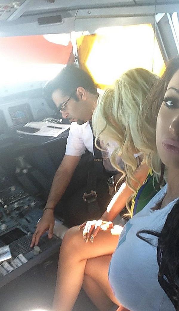 В самолеты порно