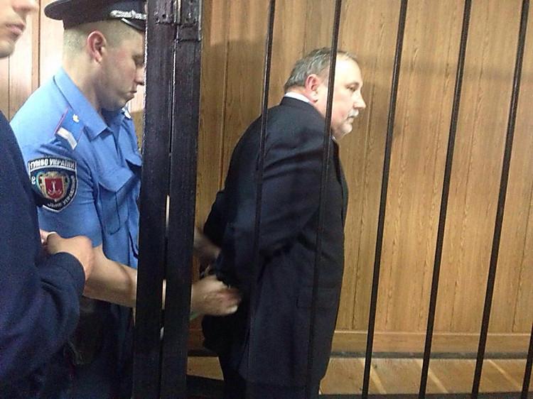 Николаевского экс-чиновника по прозванию Тутанхамон госпитализировали изсуда