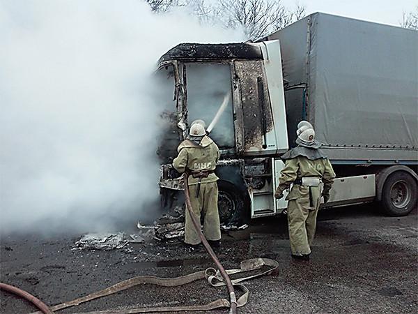 Картинки по запросу пожар кабины фуры