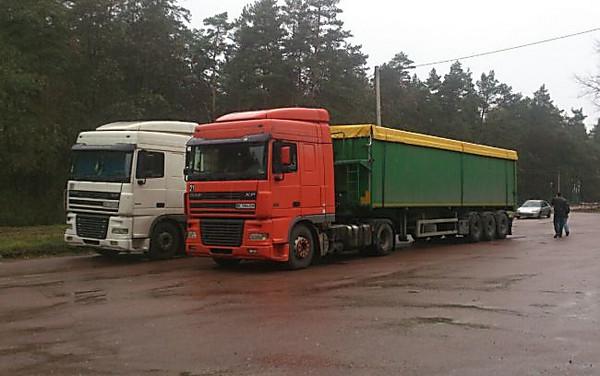 ВСумской области остановили два грузового автомобиля смусором иззападной Украинского государства