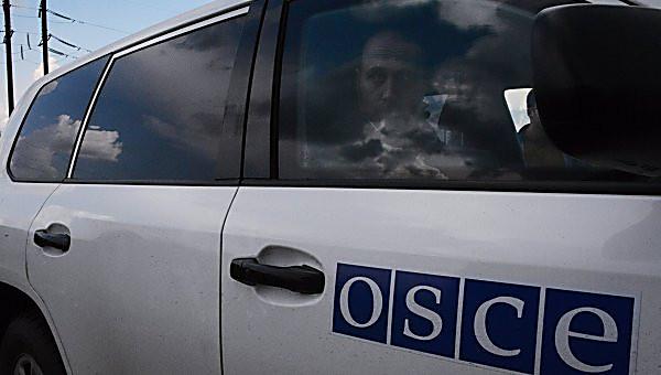 Ночью в оккупированном Донецке сожгли 4 бронеавтомобиля миссии ОБСЕ