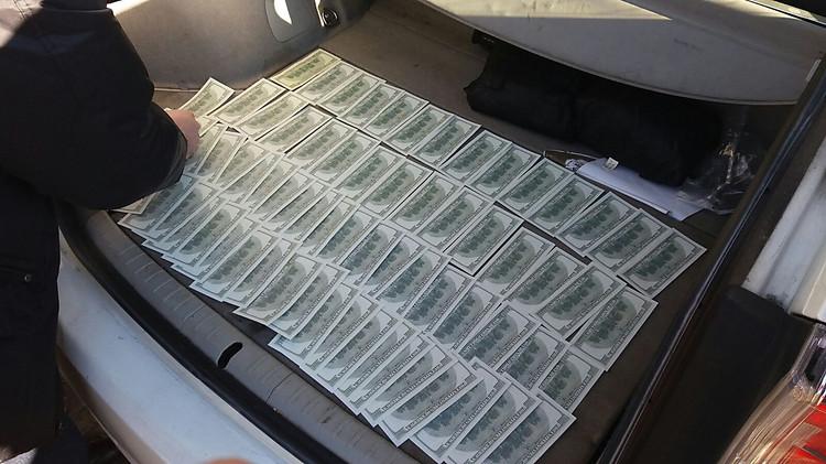 НаЛьвовщине депутаты вымогали убизнесмена квартиру и $10 тыс.
