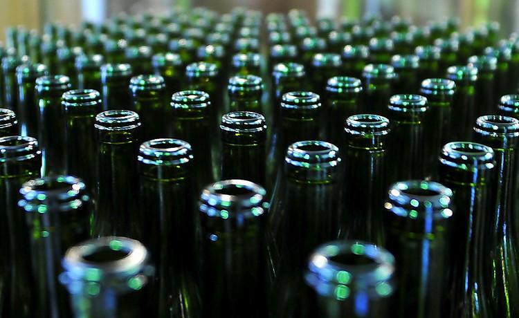 Ототравления суррогатным алкоголем вУкраине погибло уже 58 человек