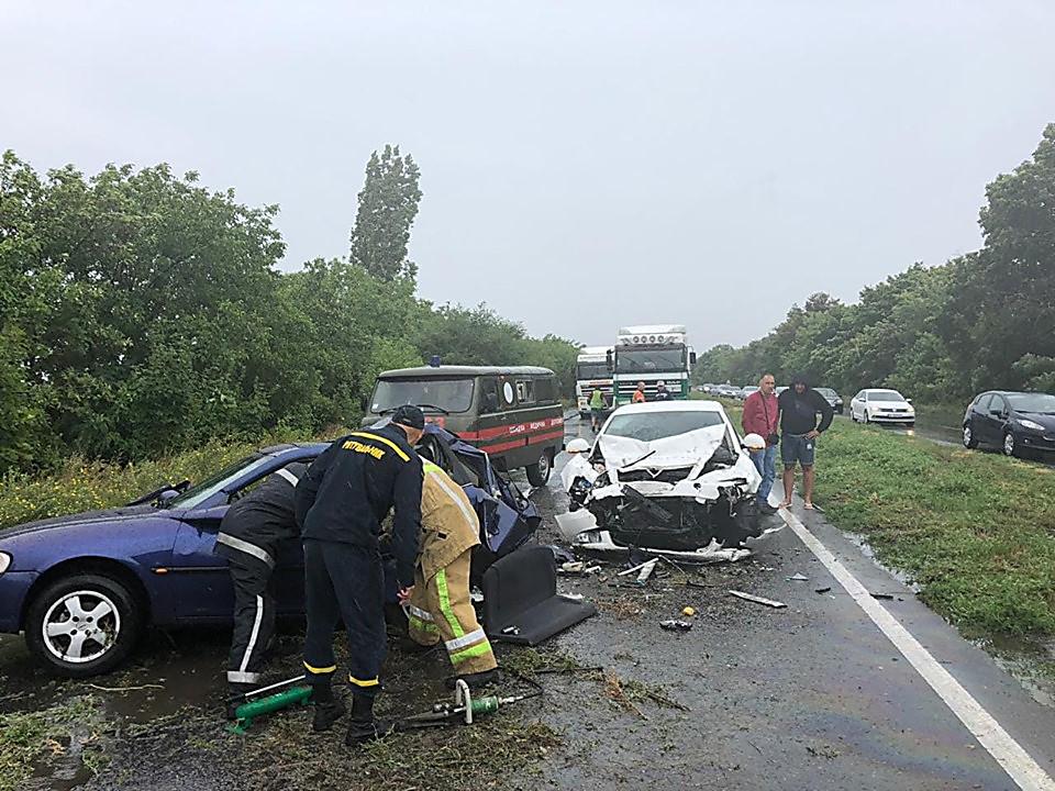 Водій загинув, двоє пасажирів зазнали тілесних ушкоджень унаслідок ДТП на Миколаївщині, - поліція - Цензор.НЕТ 5011