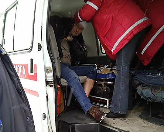 Три Деда Мороза избили депутата вНиколаеве: появились фото сместа событий