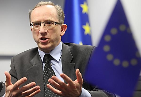 ВЕС обеспокоены блокированием русских фургонов вгосударстве Украина