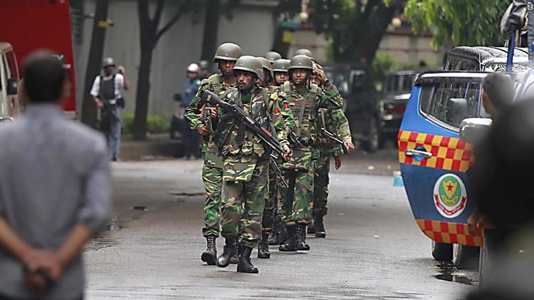 Вресторане вБангладеш впроцессе штурма освобождены заложники
