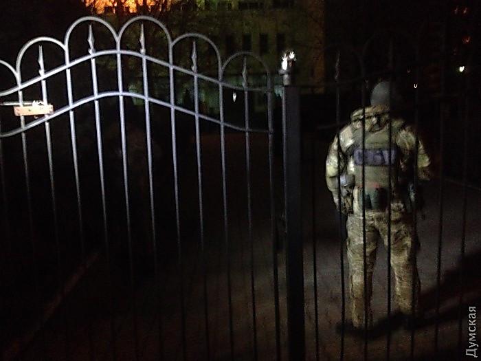 ВОдессе задержали патрульного полицейского при продаже наркотиков