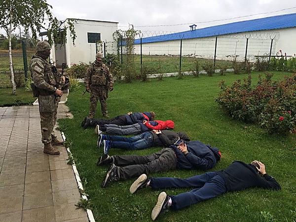 ВДонецкой области задержали банду рейдеров, которые захватили элеватор